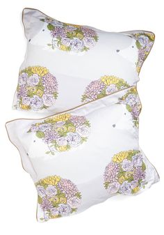 On the Hedge of Snoring Pillow Sham Set. Tonight youre hanging on a thin thread of wakefulness as you snuggle up to these ModCloth-exclusive pillow cases. #multi #modcloth