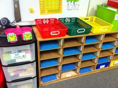 Classroom organization & ideas in photos