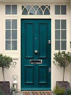 Front Door Paint Colors - Want a quick makeover? Paint your front door a different color. Here a pretty front door color ideas to improve your home's curb appeal and add more style! Teal Front Doors, Teal Door, Front Door Paint Colors, Painted Front Doors, Exterior Paint Colors, Paint Colors For Home, House Colors, Exterior Design, Paint Colours