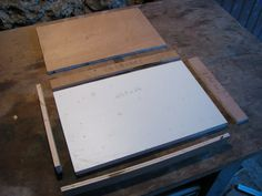 Construire son gaufrier à cire – Apiculture & Alternative
