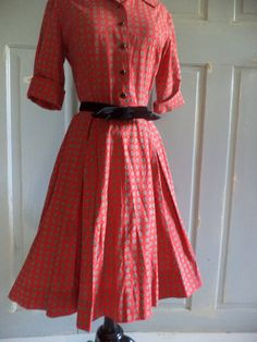 Vintage 1950s Dress Red Vintage Dress Shirt . Love the style.