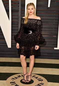 @WorldMcQueen: See @chloegmoretz wearing an Alexander McQueen Pre AW15 embroidered meadow print dress to the #VFOscarParty in LA http://t.co/vUu5Moa6QB