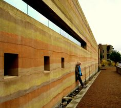 rammed earth Green Architecture, Sustainable Architecture, Sustainable Design, Architecture Details, Rammed Earth Homes, Rammed Earth Wall, Natural Building, Green Building, Cordwood Homes