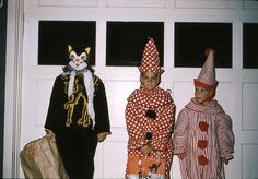 1960 Trick or Treaters Hot Halloween Costumes, Halloween Ii, Retro Halloween, Vintage Carnival, Vintage Circus, Circus Theme, Circus Party, Scary Clown Makeup, Great Costume Ideas