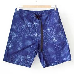 【Men's&Ladies'】COOCHUCAMP クーチューキャンプ Happy shorts : bandana ハッピー ショーツ バンダナ Patterned Shorts, Bandana, Lady, Fashion, Bandanas, Moda, Printed Shorts, Fashion Styles, Fashion Illustrations