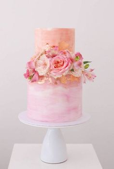 Wedding Cake Inspiration – Sweet Bakes The pink wedding cake of dreams – pin to your wedding inspiration board and share with your cake designer – just tailor the floral decorations to your flower arrangements. Floral Wedding Cakes, Wedding Cake Designs, Wedding Cake Toppers, Cake Wedding, Wedding Flowers, Gold Wedding, Wedding Art, Wedding Ideas, Wedding Cupcakes
