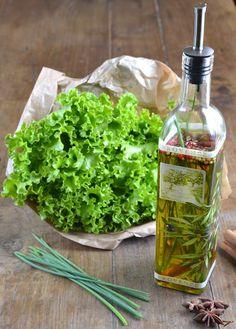 Fiore di sale...De l'huile d'olive aromatisée à la ciboulette … pour assaisonner en parfumant vos salades.