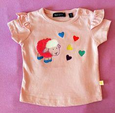 Das coole Kurz-arm Mädchen T-Shirt ist aus Baumwolle. Das einfarbige, gerade, locker geschnittene Shirt für Mädchen ist mit schönem Motiv bedruckt. Genau da Onesies, Pattern, Baby, Kids, Clothes, Fashion, Cotton, Nice Asses, Young Children