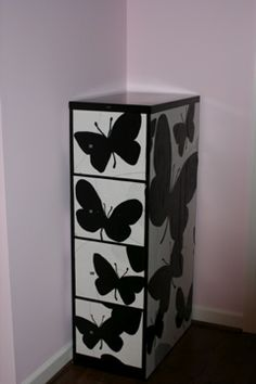 Tutorial--covering file cabinet with photocopied designs. Painted Furniture, Diy Furniture, Feng Shui, Diy File Cabinet, Stencil, Butterfly Decorations, Chinoiserie Chic, Cabinet Makeover, Diy Desk