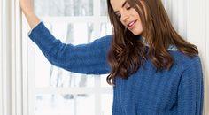 Blå genser med strukturmønster