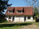 - Chateauneuf Val De Bargis  Belangrijkste elementen  165 m² van de bewoonbare oppervlakte  4.04 hectare terrein  7 kamers  5 slaapkamers  1 badkamer  gebouwd in 1890