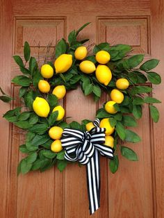 DIY: Lemon Wreath