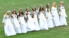 Romanian men and women remember and celebrate their ancestors – the Getae-Dacians Romanian Men, Romanian People, Iron Age, World View, Bridesmaid Dresses, Wedding Dresses, Bring It On, Place Card Holders, Culture