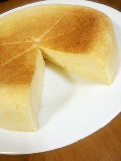Yogurt Cheesecake with Pancake Mix Made in a Rice Cooker♪ Recipe - Tastyfix Aroma Rice Cooker, Rice Cooker Recipes, Cooking Recipes, Rice Recipes, Recipies, Rice Cooker Pancake, Cheesecake Recipes, Dessert Recipes, Cooker Cheesecake