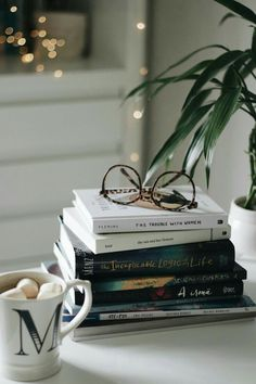 Boeken, books, bril, glasses I Love Books, Good Books, Shotting Photo, Foto Blog, Coffee And Books, Book Aesthetic, Book Photography, Serendipity, Bookstagram