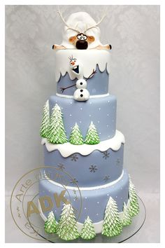 Frozen cake by Arte Da Ka Bolo Frozen, Tarta Frozen Disney, Sven Frozen, Disney Cakes, Frozen Theme Cake, Frozen Birthday Cake, Olaf Cake, Girly Cakes, Festa Party