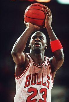 b7436652df9 young Michael Jordan Basketball Legends, Basketball Players, Notre Dame  Basketball, High School Basketball