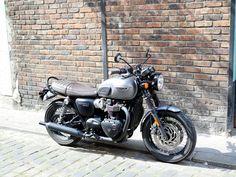 Triumpn bonneville T120 black 1200cc 4h10.com Triumph Cafe Racer, Triumph Bikes, Motorcycles, T120 Black, Triumph Bonneville T120, Cafe Racing, Bobber, Motorbikes, Retro