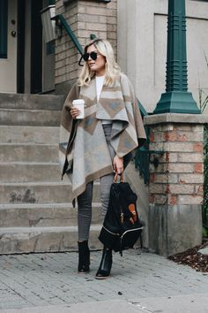 I am always excited when the weather is starting to get colder and it is time to take out your favourite staple pieces for fall. One staple piece that I find easy to style and wear is this Burberry...