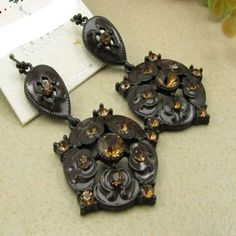 Retro texture Earrings Meatl DC9E501 $2.25