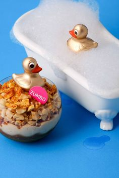 Announcing the Golden Ducky! This weeks individual dessert inspired by last… Zumbo's Just Desserts, Delicious Desserts, Dessert Recipes, Yummy Food, Zumbo Recipes, Zumbo Desserts, Adriano Zumbo Cakes, Cupcakes, Cupcake Cakes
