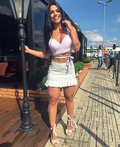 Look lindo 💕 ▫ Sexy Outfits, Skirt Outfits, Sexy Dresses, Summer Outfits, Cute Outfits, Fashion Outfits, Womens Fashion, Fashion Beauty, Pernas Sexy