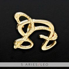 The Aries/Leo Unity Pendant is a beautiful and meaningful way to share and express the love between an Aries and Leo. All Gold Unity Pendants are cast in Bronze with a thick Gold Finish and come with a Gold finished necklace.