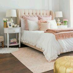 Rosé  branco = Combinação feminina e que não tem erro pra deixar o quarto lindo e aconchegante... Boa noite! {pic via pinterest}  #cdaquartos #bedroomdecor #bedroom #blogcasadasamigas
