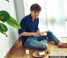 for Singles magazine His smile can brighten your whole day~ Kim Sung Kyu, Kim Sang, Kim Myungsoo, Handsome Arab Men, Handsome Faces, Lee Sungyeol, Woollim Entertainment, Strong Women Quotes, Woman Drawing