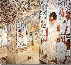 Een van die graven is van Sennefer (TT 96). Sennefer was burgemeester van Thebe en 'opzichter van de tuinen van Amon'.
