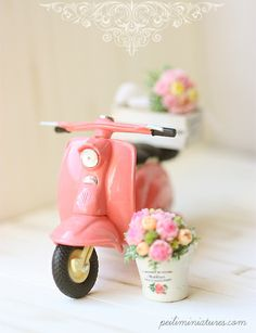 I cannot live without my Pink Vespa Miniature Food, Miniature Dolls, Pink Vespa, Miniature Photography, Toys Photography, Shabby Chic, Tiny World, Mini Things, Everything Pink