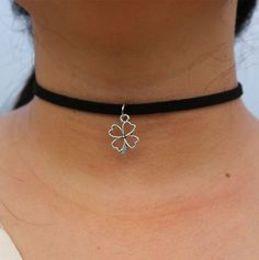 Love Choker Wing Hand Geometric Tattoo Necklace