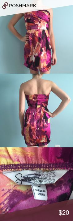 Silky Colorful Strapless Dress Super soft and silk-like colorful strapless dress. Pink, orange, and black. Ruching on bodice. Flattering pleating on skirt. Size 5 by Speechless. Padding on bodice. Speechless Dresses Strapless