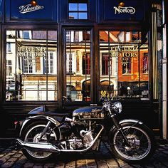 1965 Velocette Thruxton | Seat Cowl | Fishtail Exhaust | Legend  Velocette Venom Thruxton | 500cc | Known as Venom Thruxton or simply Thruxton | Sport and TT Racing bike with speeds up to 180 kph 110 mph | Produced by Velocette from 1965 until the company closed in 1971