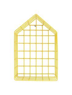 Druciany domek w skandynawski stylu ozdobi Twoje wnętrze. Pięknie prezentuje się zarówno postawiony jak i zawieszony. Cechuje go wysoka jakość wykonania oraz designerski wygląd. Domek wykonany jest z drutu żelaznego z powłoką proszkowaną w kolorze czarnym, białym, szarym, żółtym lub w ocynku. Wymiary: wys. 31 cm x szer. 21 cm x gł. 10 cm