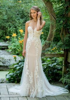 The Blushing Bride Boutique is one of the largest Retailers in Texas for Lillian West Wedding Gowns! You'll find in our Lillian West Collection an assortment of Ultra Boho Styles, Romantic … Lace Wedding Dress, Fit And Flare Wedding Dress, Perfect Wedding Dress, Dream Wedding Dresses, Bridal Dresses, Bridesmaid Dresses, Bling Wedding, Dresses Dresses, Fit And Flare Rock