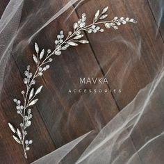 Bridal Comb, Bridal Headpieces, Wedding Hair Accessories, Wedding Jewelry, Hair Jewelry, Beaded Jewelry, Wedding Hair Brooch, Crystal Embroidery, Wax Flowers