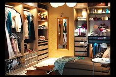 How to organize a french closet!