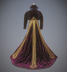 """Arletty - """"Les Enfants du Paradis"""" (1943) - Costume designer : Mayo"""