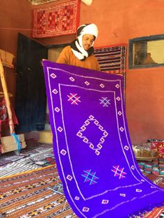 Traditional flat weave Kilim rug www.rosadestinteriors.com