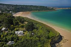 Luxury large holiday home in Cornwall sleeping guests. Large Holiday Homes, Luxury Interior Design, Land For Sale, Cornwall, Discovery, River, Landscape, Beach, Places
