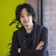 """映画界で""""引っ張りだこ""""状態の俳優・池松壮亮(25)。その勢いは増すばかりで、今年はすでに『デスノート2016』、『セトウツミ』、『無伴奏』など6本の出演作が公開を控えている。これほどまでオファーが殺到している理由とは?"""