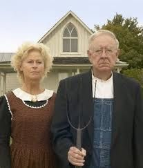 Photo On Internet Of People Posing In Front The American Gothic House Eldon