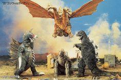Godzilla vs Gigan 1972 Godzilla versus Gigan, released in Japan as Chikyū Kogeki Meirei Gojira tai Gaigan (Earth Destruction Directive: Godzilla vs. Gigan).