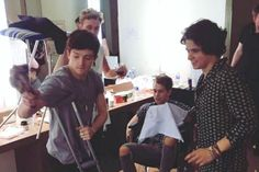 | THE VAMPS CONNOR BALL INJURED IN MANILA | http://www.boybands.co.uk