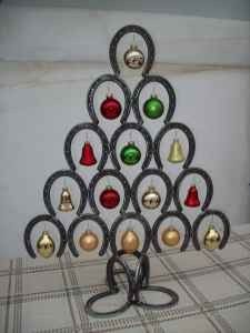 **Horseshoe Christmas Tree**  this is for Brandon to make me :0)