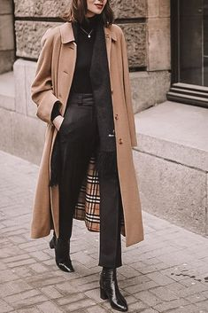Trench Coat Outfit, Beige Trench Coat, Trench Coat Style, Burberry Trench Coat, Burberry Outfit, Women's Trench Coats, Trench Coat Women, Burberry Winter Coat, Long Coat Outfit