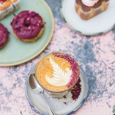 Meet Farm Girl Cafe, your destination for healthy, wholesome food in London's Notting Hill. The rose lattes are everything! London Cafe, London Food, Bakery Kitchen, Second Breakfast, Coffee Is Life, Cafe Food, Coffee Latte, Morning Coffee, Food Art