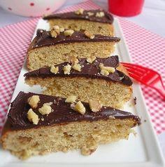 Walnut Cake Recipe - Simple. One Bowl. Quick. Really! http://www.italian-dessert-recipes.com/italian_cakes.html