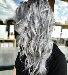 S I L V E R • using the NEW @schwarzkopfusa SILVER/WHITE line! The line comes in 4 shades that are perfect if you are trying to achieve gray/silver blondes! Slate grey, Dove grey, Grey lilac, and Silver. Of course @brazilianbondbuilder #b3 added to my #blondme Lightner and color formula. Styled by @elizabethashleyy Model @baconmanifesto. #BESCENE